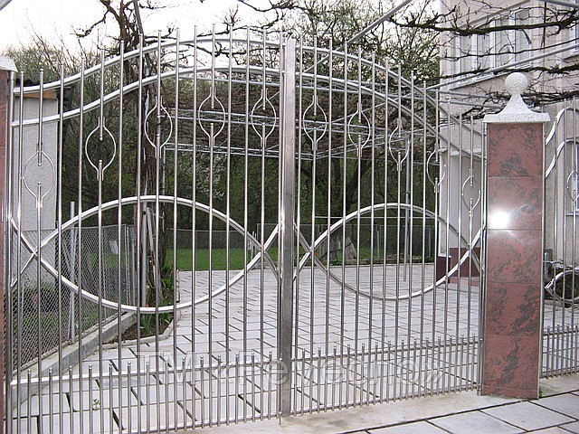 Ворота из нержавеющей стали