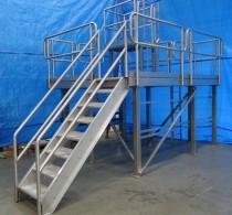 Полностью металлические лестницы